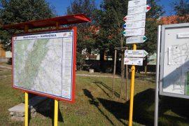 Obnova turistických smerovníkov v Malých Karpatoch