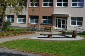 Mesto Rajecké Teplice - Obnova zelene areálu ZŠ Rajecké Teplice